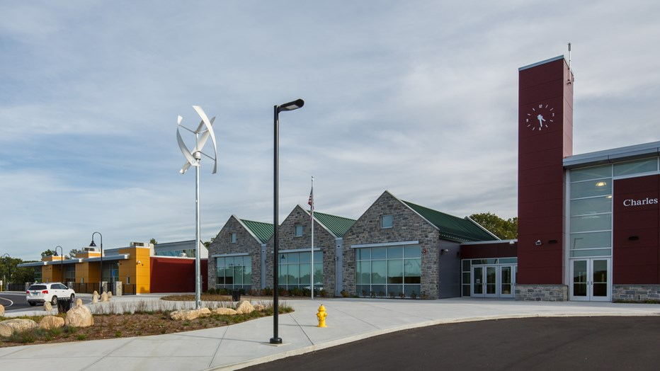 Skanska partnered with the Town of Windham to deliver this innovative, interdistrict magnet school that focuses on a science, technology, engineering and mathematics (STEM) student learning experience.