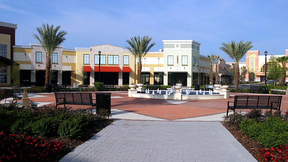 Lakeside Village Retail Center